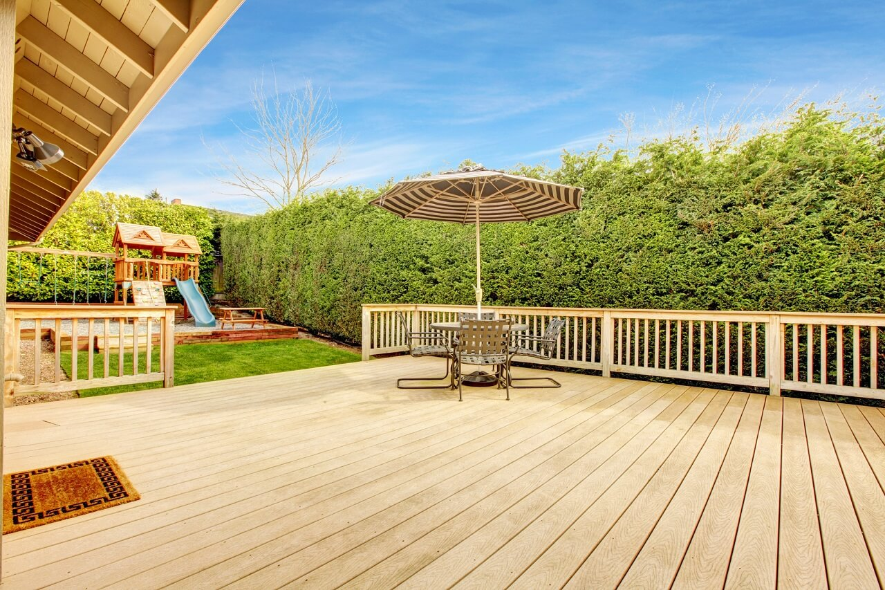 choose decking materials based on your style and budget